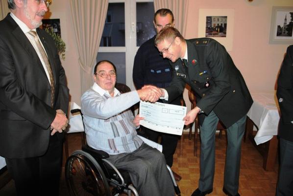 Remise de chèque à notre ville marraine le 23 novembre 2012