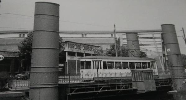 Le pont hydraulique avec le tramways (images non datée).