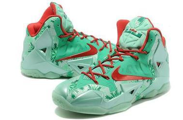 Lebron Christmas Edition.Nike Lebron 11 Christmas 2014 Basketball Shoes