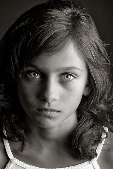 Les vrais gens, ceux qui sont beaux, ne se cachent pas derrière des genres, des groupes, des fringues