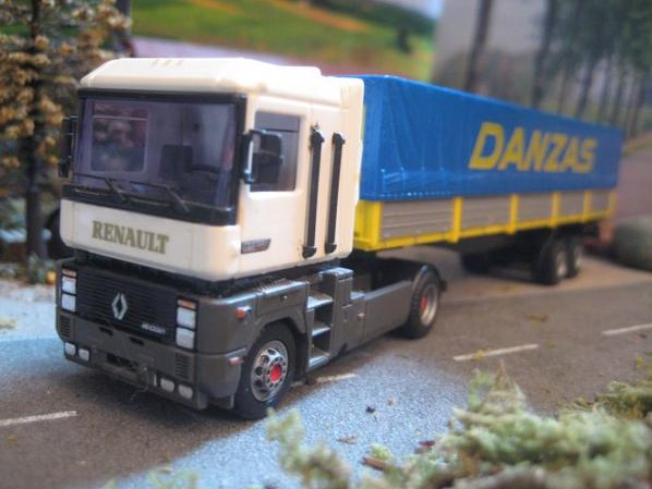 RENAULT AE TOUJOURS MODERNE