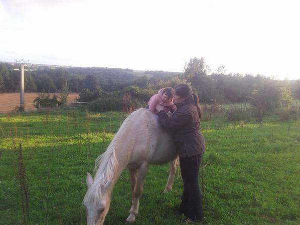 le beau varadès et sa petite cavalière