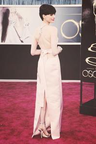 Anne Hathaway•