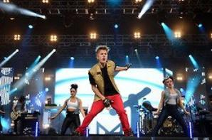 Justin performing at MTV World Stage Live In Malaysia (HQ)
