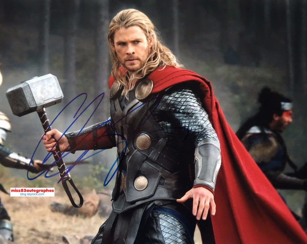 CHRIS HEMSWORTH  (Marvel -Thor)