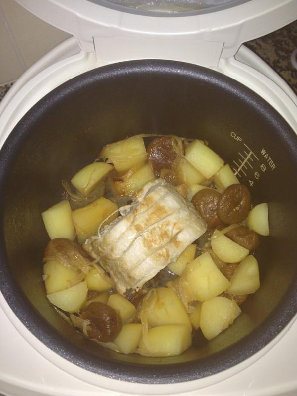Rôti de porc aux pommes de terres et figues au delicook