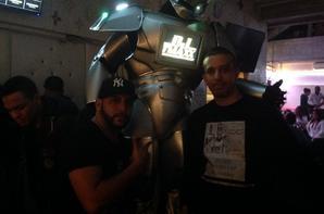 ROBOT PERFORMER , LE DIAMOND PARIS SALON DE CHICHA ARGENTEUIL