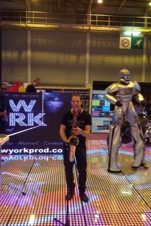 ROBOT PERFORMER SALON HEAVENTS 2014