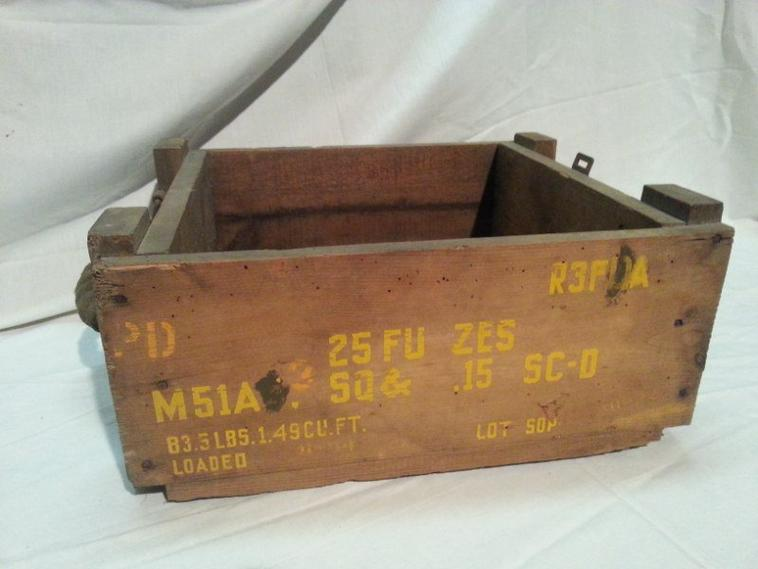 1er Caisse en bois pour FUZES F.D M51A4.