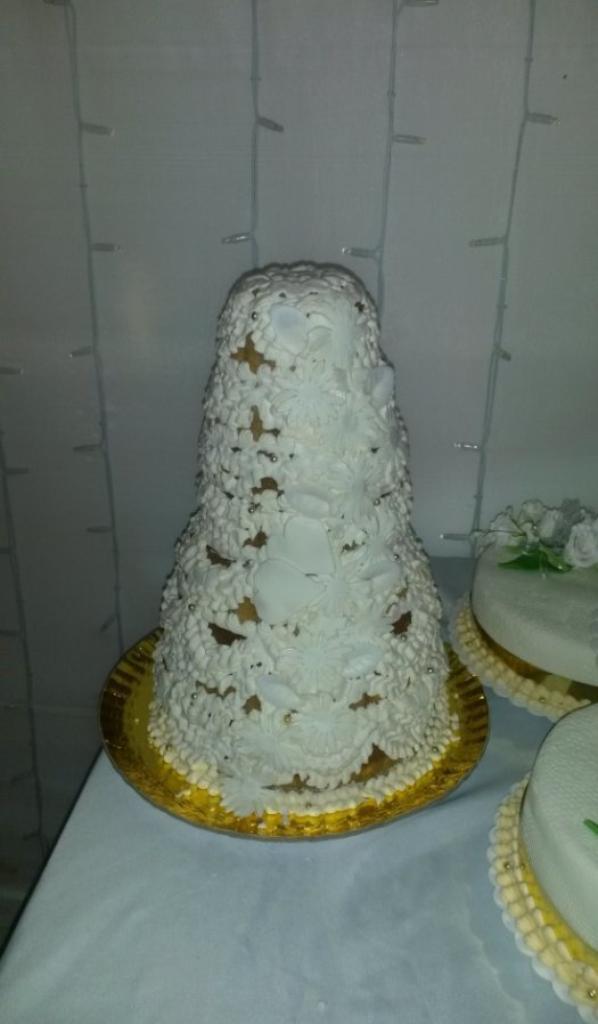 piece monte gteau fouett pain doux - Gateau Mariage Antillais