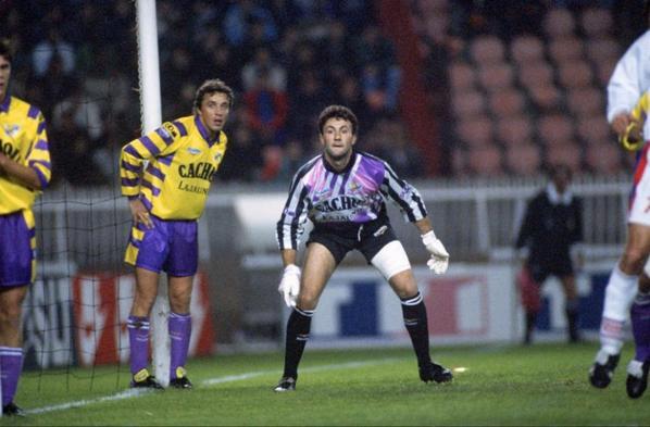 Une photo du match PSG TFC de Novembre 1991 et Béto lors des 80 ans du TFC en Avril 2017