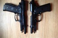 Taurus Pt 99 et M92 Fs en Akimbo