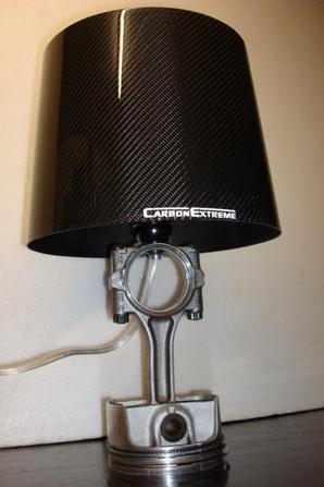 lampe de chevet base piston porsche abat jour carbone. Black Bedroom Furniture Sets. Home Design Ideas