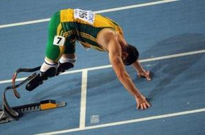 Oscar Pistorius : Médaille du courage. Chapeau