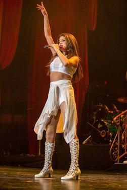 Selena en concert la nuit dernière à San Diego, CA