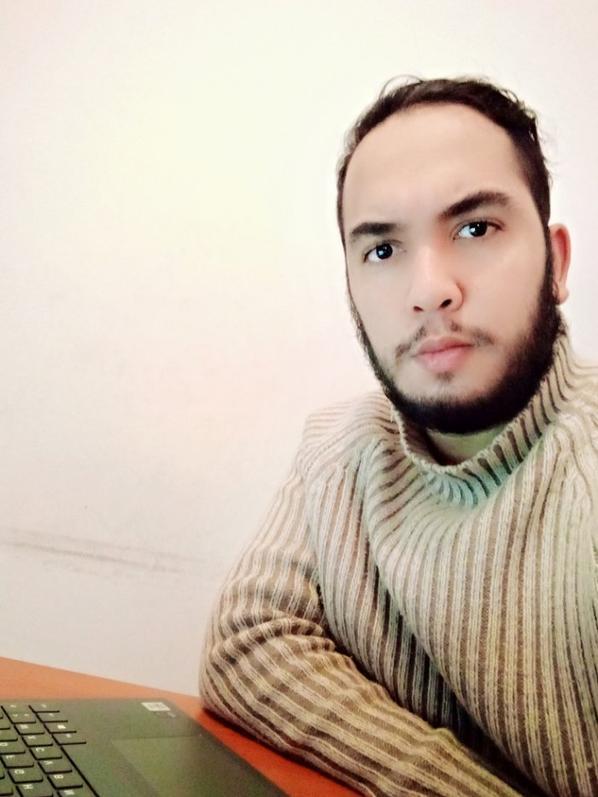moi avec ma barbe 🤣