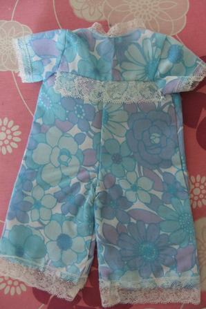 Encore des petits vêtements que j'ai faits petite: des pyjamas.