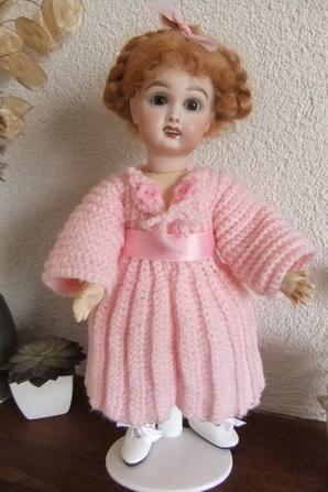 Une petite robe en laine pour Bleuette!