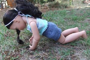Luisa fait son yoga!