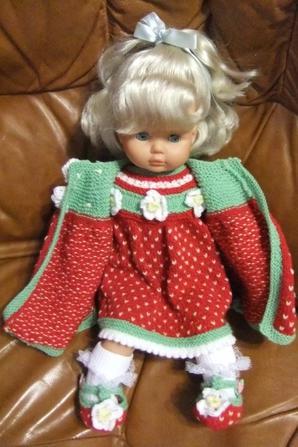 Petite Mathilde a son manteau!