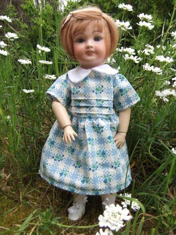 Une robe printanière pour Bleuette!