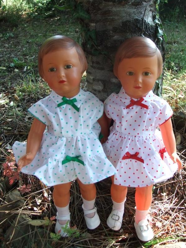 Mes jumelles avec la robe de juin 1955!