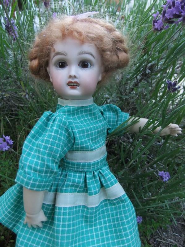 Encore une robe pour Bleuette!