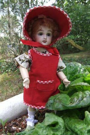 Bleuette fait du jardinage!