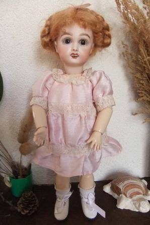 Une robe anglaise pour Bleuette!
