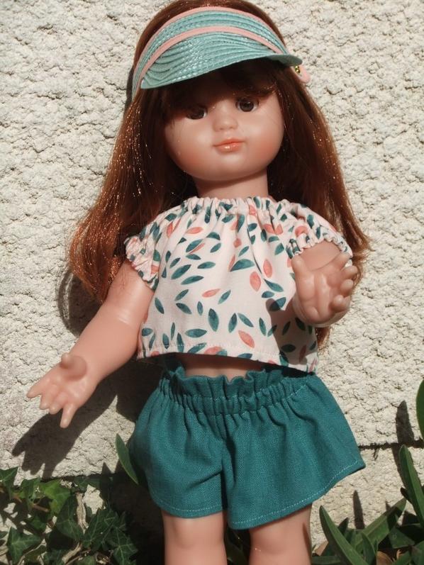 Août 2020: Emilie profite du soleil!