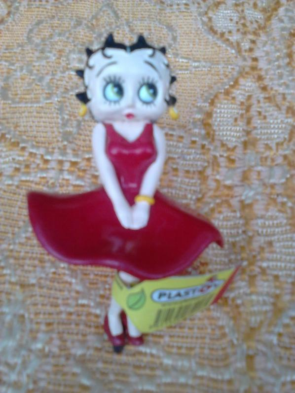 figurines bettyboop et une charlotte
