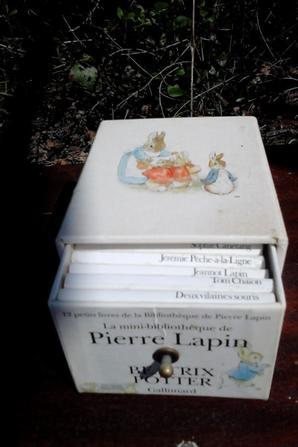 lapin musical  & souris et minis livres beatrix potter