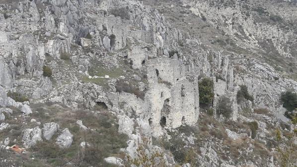 Balade au village maudit de Rocca Sparviera (Dép:06)
