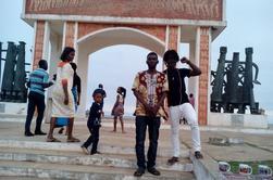 Dans le Bénin actuel, le souvenir de ces traites négrières orchestrées reste un Site d'information du Bénin et de la Diaspora Ouidah porte de non retour en face la galerie jah et fils plein de chose envue by TINKPON KAINFRI WEAR