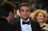 #Cannes2014 Robert Pattinson #TheRover montée des marches *-*