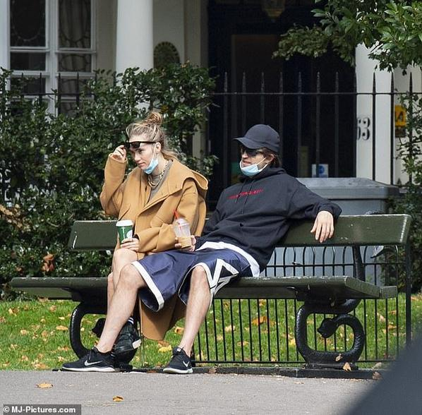 #Paparazzi: Robert Pattinson et Suki à Londres le 16/09
