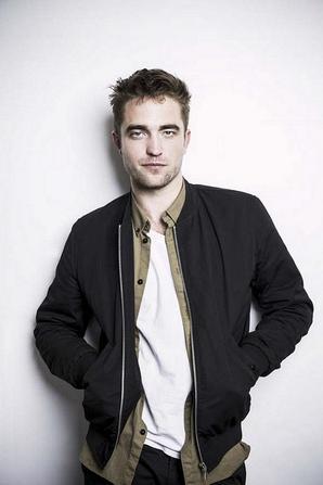 Nouvelles / Anciennes photos de Robert Pattinson pour la promo de The Rover en 2014
