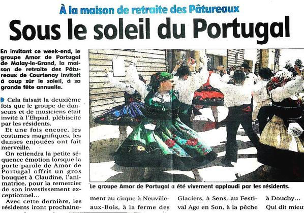 Articles parus dans le journal du Loiret, suite à notre prestation à l'EHPAD de Courtenay (25.05.14).