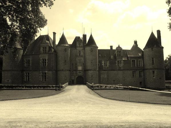 Kermesse au Château de Fleurigny (27.07.14)