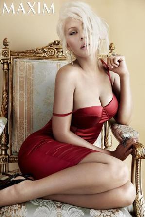 Christina dans Maxim