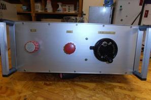 .........Antenne tuner BRQ à 1,5 KW bricolage.......Tuner antenne pour la haute performance. Bricolage avec les Russes rouler la bobine de la technologie militaire. Il s'agit d'une vente privée sans retour ou de garantie. Le tuner a été testé avec 1 KW charge sur un G5RV sur 80-10m. Max. 1,5 KW entrée