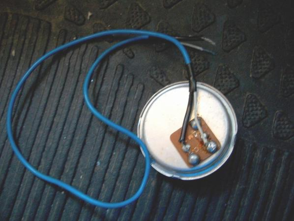 micro pastille M+3B céramique     La pastille micro a de l'importance pour la voix de lopérateur Radio ou grave ou aigu électret  ou céramique