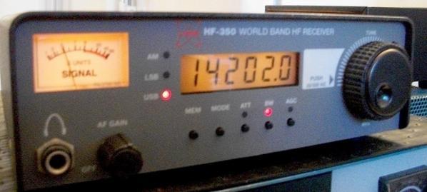 j'ai   facilité la prise en main du VFO  un meilleur   prise de la rotation du VFO du HF-350 c'est moi qui l'a fait  j'ai gardé un tapi antidérapant pour maitre dans la voiture pour si on mais des objets il glisse pas on na pas de pétrole mai des idées  73s ami radio et bon début de semaines