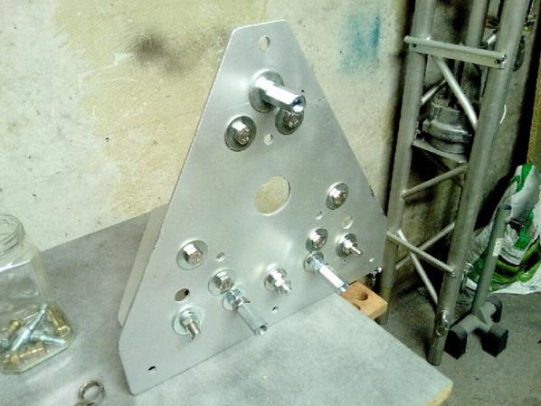 Basculement de l'antenne a finir du travaille de pro pour le pylône   de 14 V173 yann