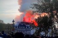 l'incendie qui a ravagé la Cathédrale Notre-Dame de Paris très touche par cette tragédie qui a frappé   Notre-Dame de Paris et   histoire de la FRANCE