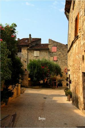 Petite balade à Barjac dans le Gard (village de caractère ).
