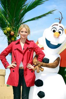 Virginie Efira assiste à la Summer Party Frozen à Disneyland Paris, le 30 mai 2015, à Paris