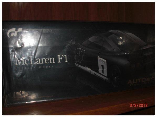 GT5 Mclaren F1, signature, carbon, 2000 pièces, 1/18 Autoart