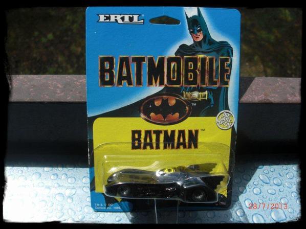 Batman - Batmobile 1989 Tim Burton mobile  1/64