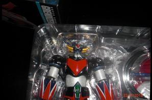 Goldorak, Figurine & Soucoupe Super Robot Chogokin Bandai